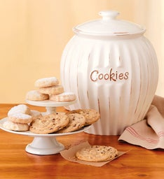Heirloom Cookie Jar with Cookies
